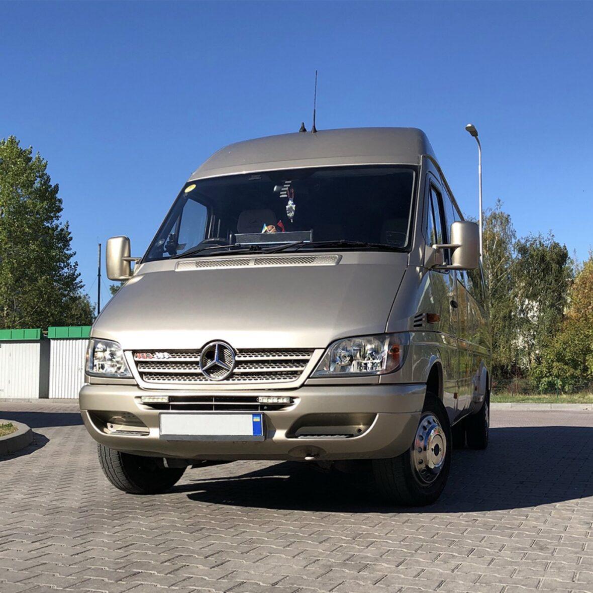 Mercedes Sprinter на 20 місць